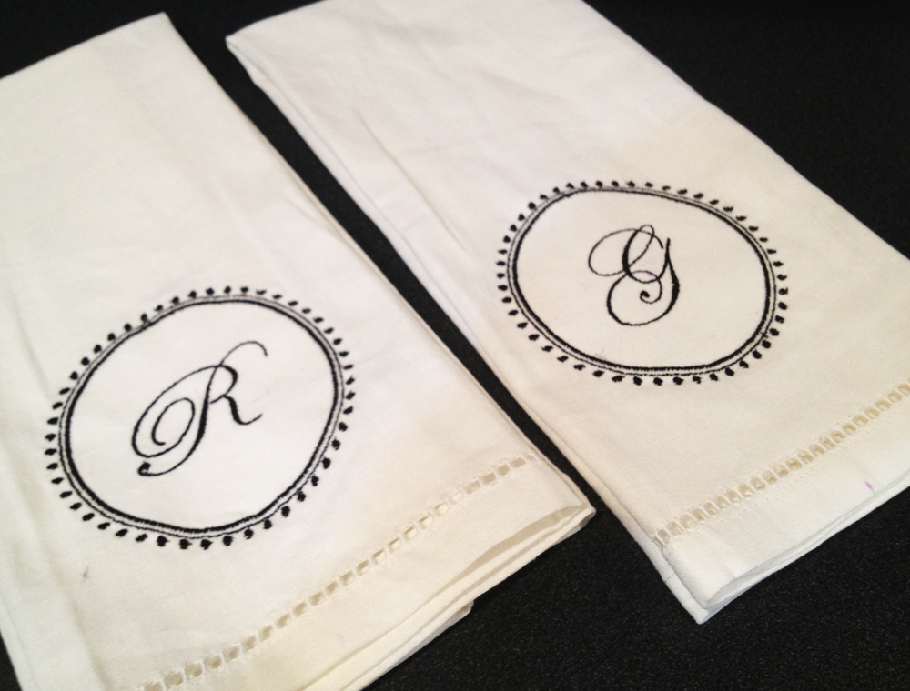 modern initial wreath embroidery design