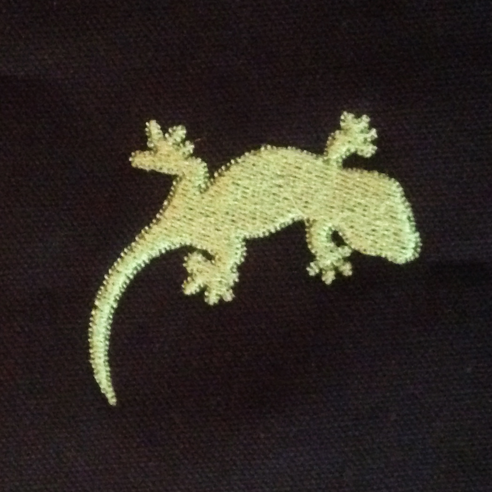 gecko fill stitch embroidery design