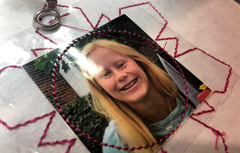 ITH Christmas ornament - stitching down picture