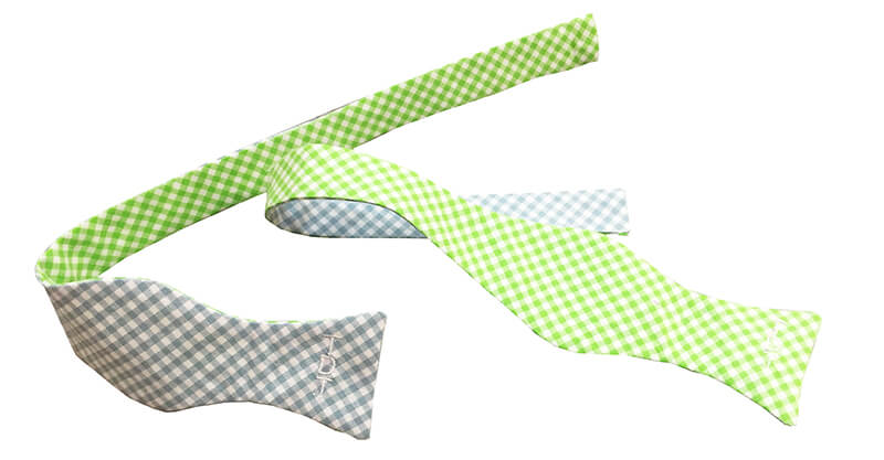 Bow tie in two pieces