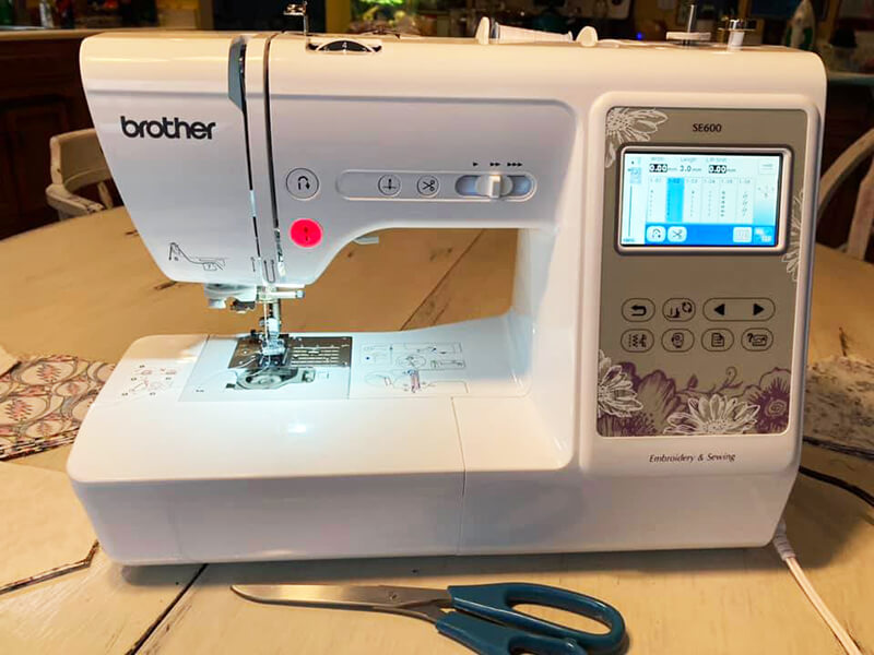 the SE600 sewing / embroidery machine