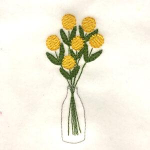 simple-flowers-in-vase